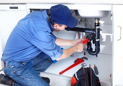 3 Tips to detect leakages in your house: When to call a plumber