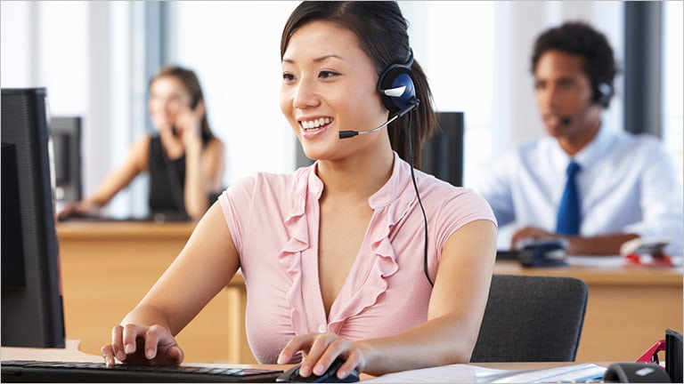 How to improve customer service skills to give quality service to the customer?