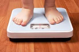 Tips for maintaining a healthy weight for your baby