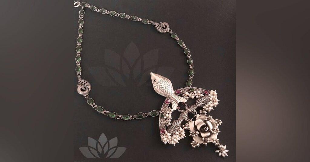 Explore Designer Women Jewelry at Farfetch
